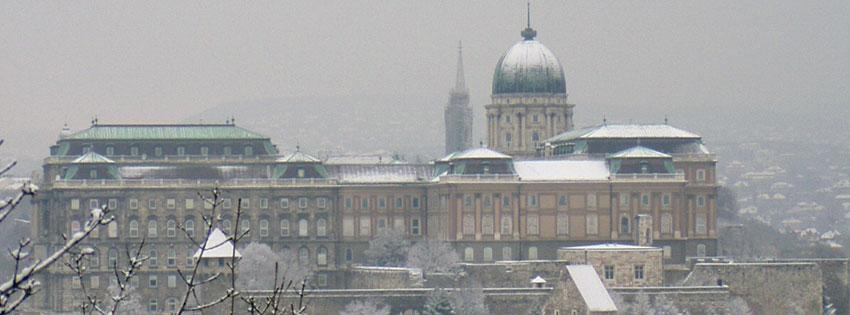 Facebook Borítóképek/Most nézett borítóképek: Téli borítókép Facebookra a budai várral és királyi palotával valamint a háttérben a Mátyás templom tornyával - borítóképek - ingyen - számítógépre - háttérképek - idézettel - karácsonyi - facebook - letöltése