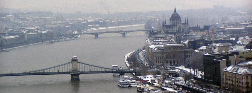 Facebook Borítóképek/Városok/Budapest: Téli borítókép Facebookra a Dunáról a Lánc- és Margit híddal, a háttérben a Parlamenttel - Országházzal - idézettel - facebook - letöltése - karácsonyi - számítógépre - háttérképek - ingyen - borítóképek