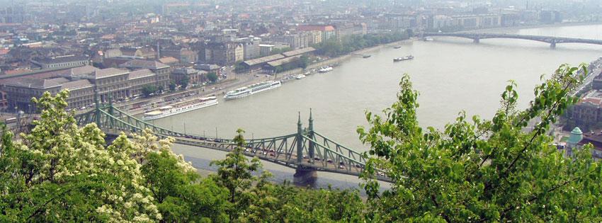 Facebook Borítóképek/Városok/Budapest: Tavaszi borítókép Facebookra a Szabadség és Petőfi híddal valamint hajókkal a Dunán - háttérképek - borítóképek - idézettel - karácsonyi - ingyen - letöltése - számítógépre - facebook
