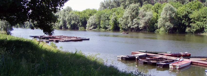Facebook Borítóképek/Természet/Fa: Nyári Facebook borítókép Baján a Sugovicáról (más néven Kamarás-Duna) csónakokkal - letöltése - idézettel - háttérképek - facebook - karácsonyi - ingyen - borítóképek - számítógépre