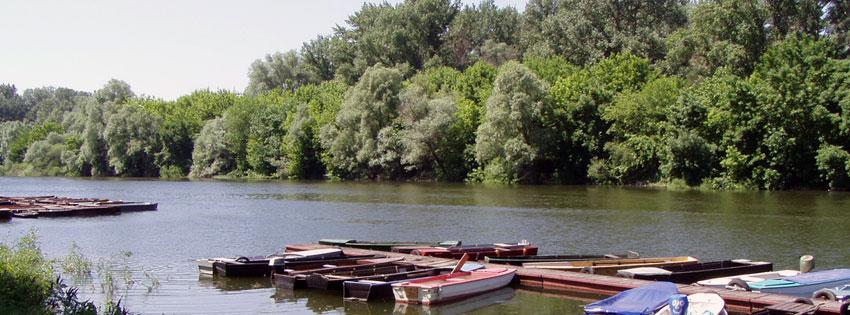 Facebook Borítóképek/Közlekedés: Facebook borítókép a Sugovicáról (a Duna egy mellékága Bajánál) csónakokkal - karácsonyi - számítógépre - borítóképek - facebook - idézettel - ingyen - letöltése - háttérképek