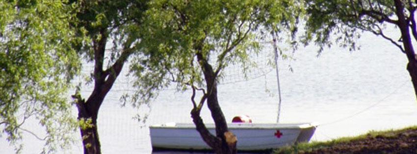 Facebook Borítóképek/Városok/Kisköre: Nyári borítókép Facebook idővonalra egy mentőcsónakkal a kiskörei Tisza-tó partján - idézettel - karácsonyi - borítóképek - letöltése - facebook - háttérképek - ingyen - számítógépre