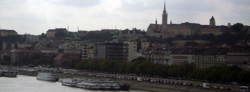 Facebook Borítóképek/Közlekedés/Hajó: Őszi borítókép Facebookra a krisztinavárosi és a Mátyás templommal valamint hajókkal a Dunán - borítóképek - facebook - letöltése - háttérképek - karácsonyi - idézettel - számítógépre - ingyen